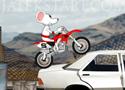 Stunt Moto Mouse juss át a motoros egérrel az akadályokon